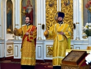 arhiereiskaia-sluzhba-v-sviato-voznesenskom-xrame_010