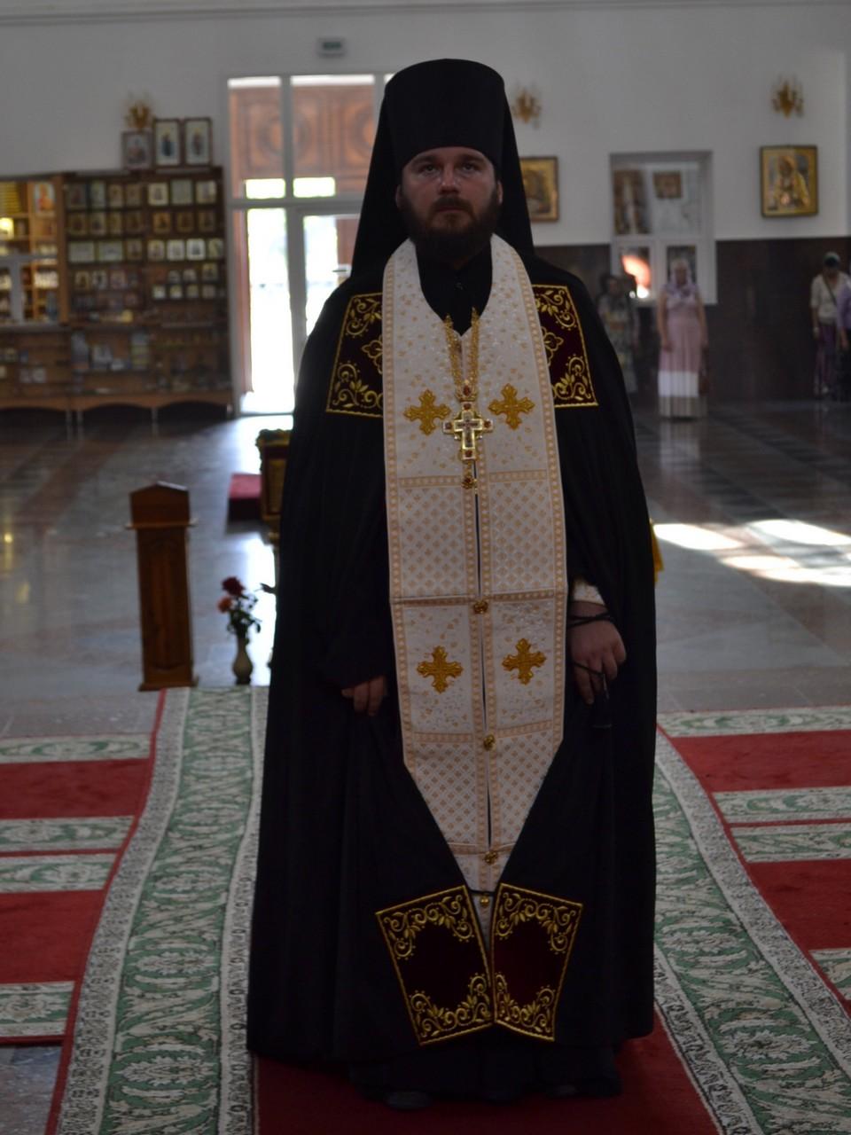 Arhimandrit-Sergii_Gromovik_1