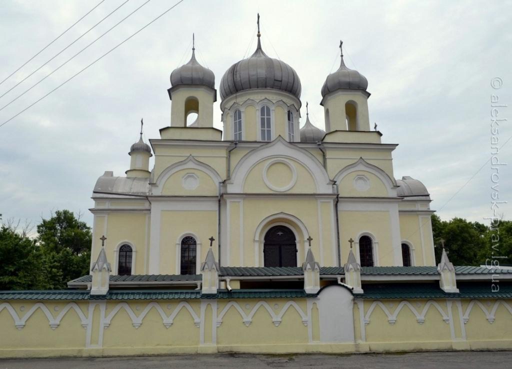 Господь хранит святыню Луганщины