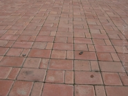 Осколки на территории храма,  от мины которая взорвалась в Панском саду