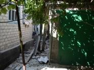 Разрушения в Александровске после обстрела украинской армией