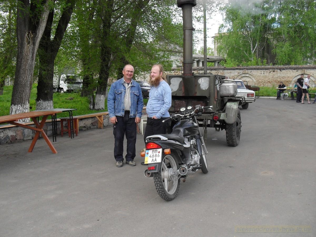pozdravlenie-veteranov_8-05-2015_004.jpg