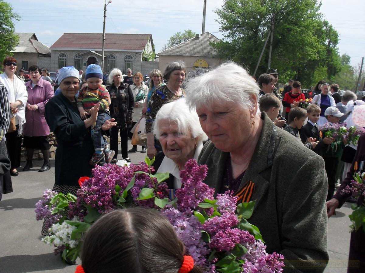 pozdravlenie-veteranov_8-05-2015_042.jpg