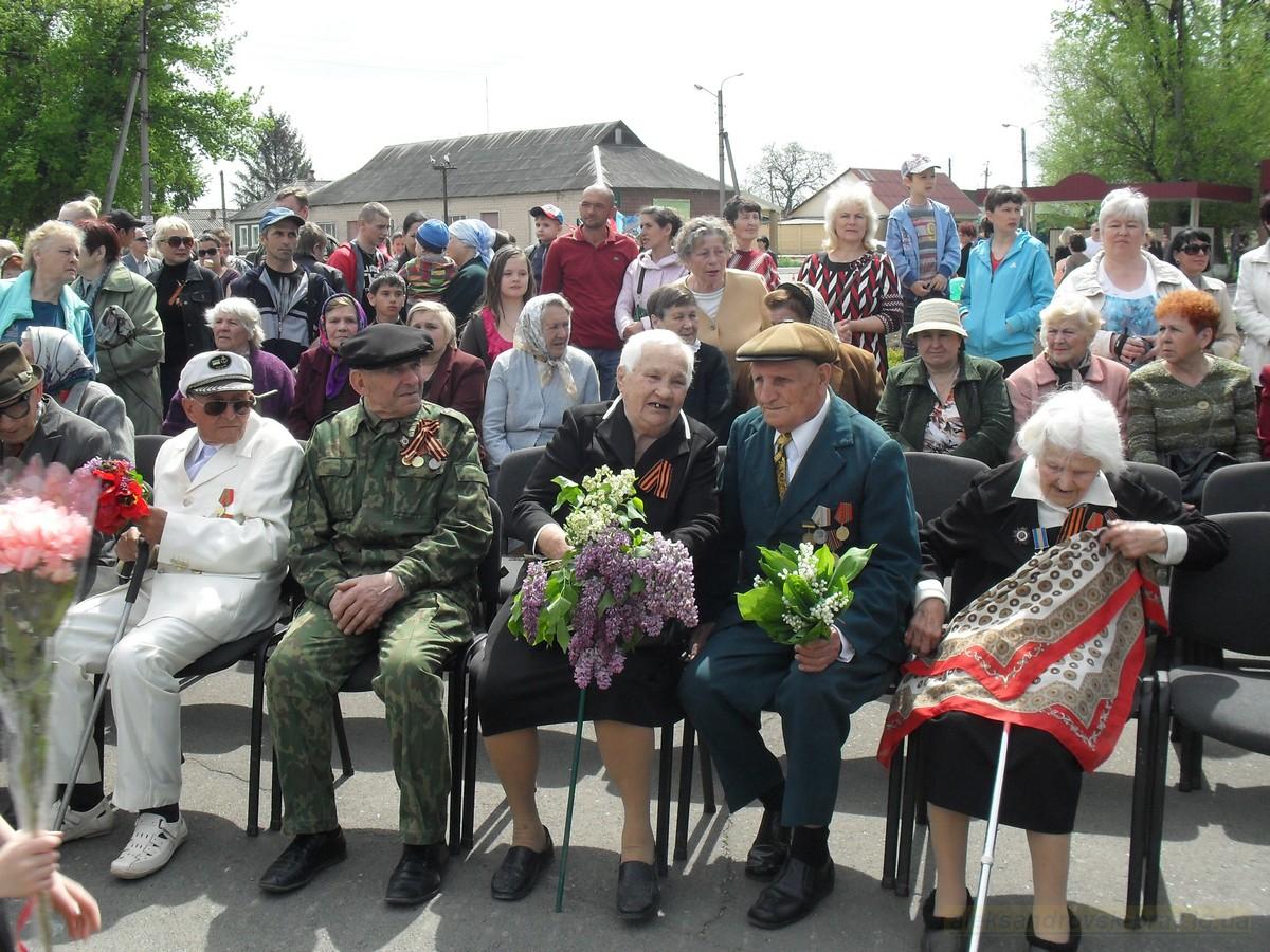 pozdravlenie-veteranov_8-05-2015_044.jpg