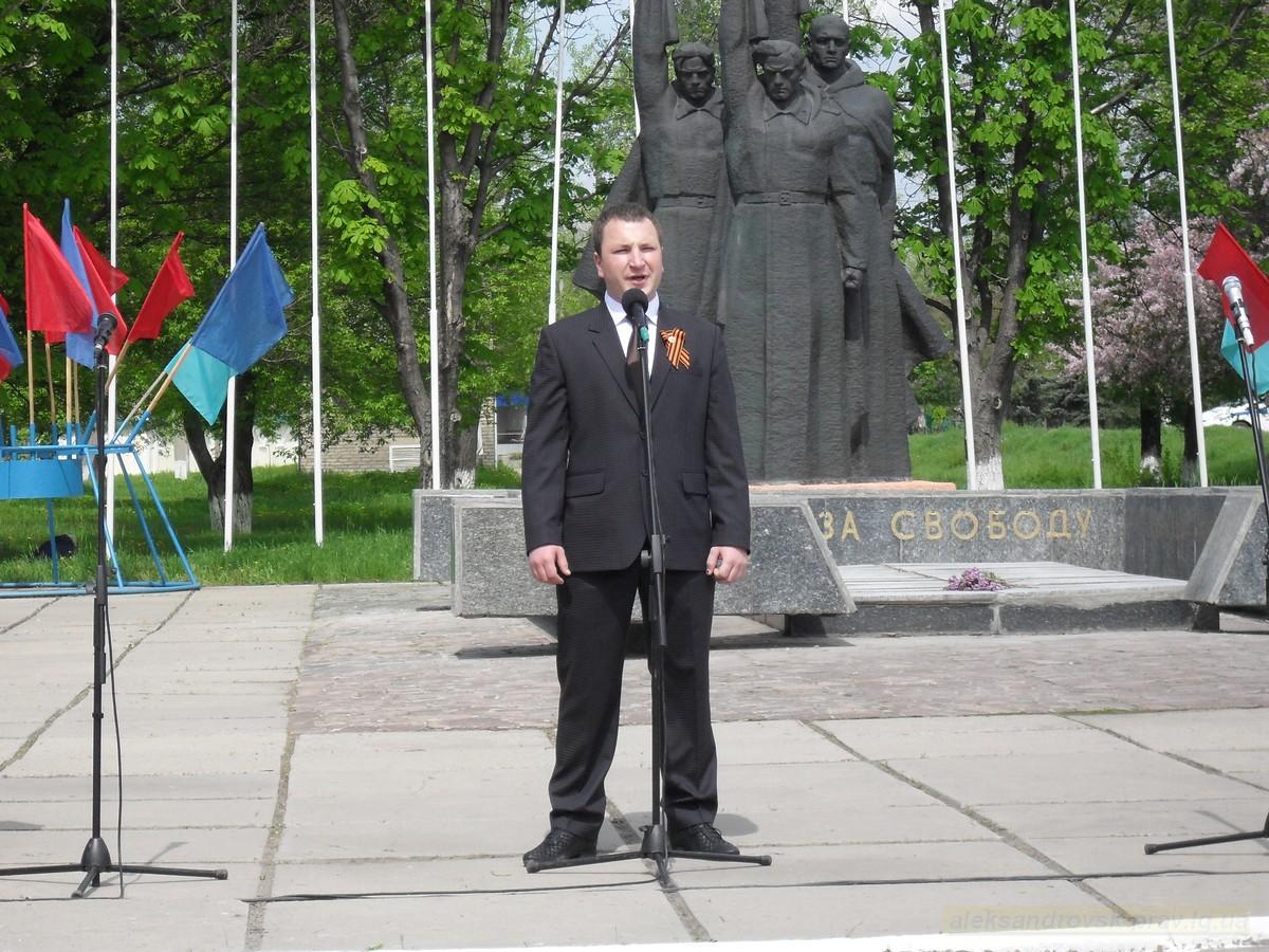 pozdravlenie-veteranov_8-05-2015_051.jpg