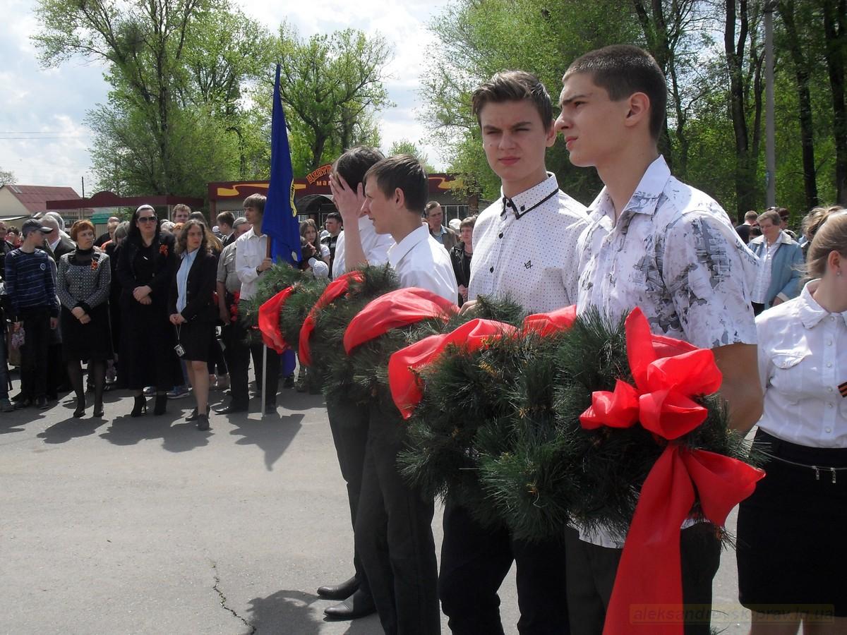 pozdravlenie-veteranov_8-05-2015_060.jpg