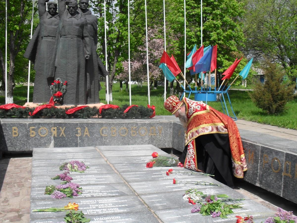 pozdravlenie-veteranov_8-05-2015_077.jpg