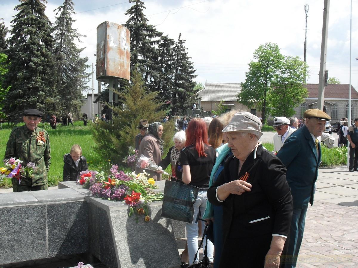 pozdravlenie-veteranov_8-05-2015_083.jpg