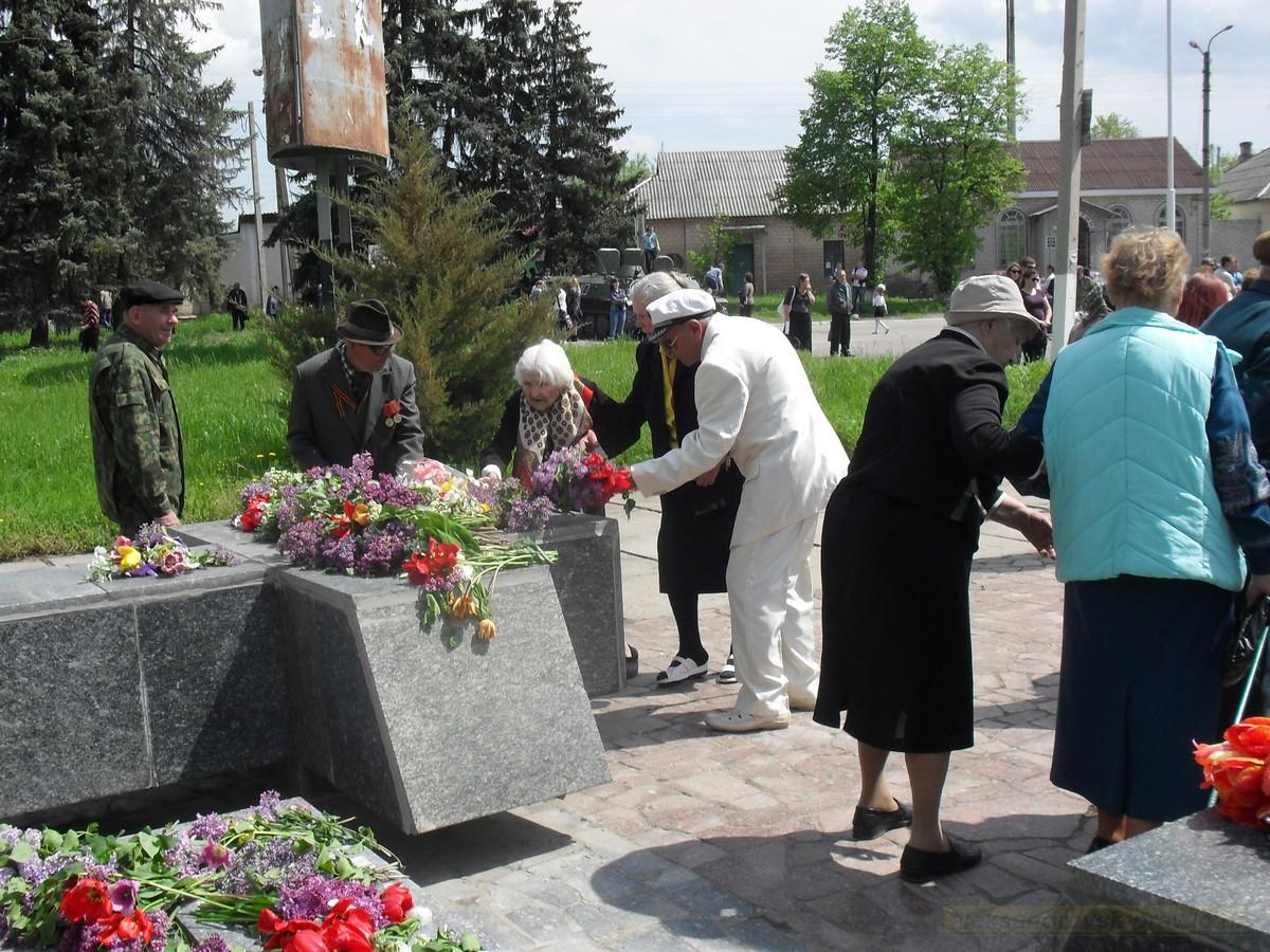pozdravlenie-veteranov_8-05-2015_084.jpg