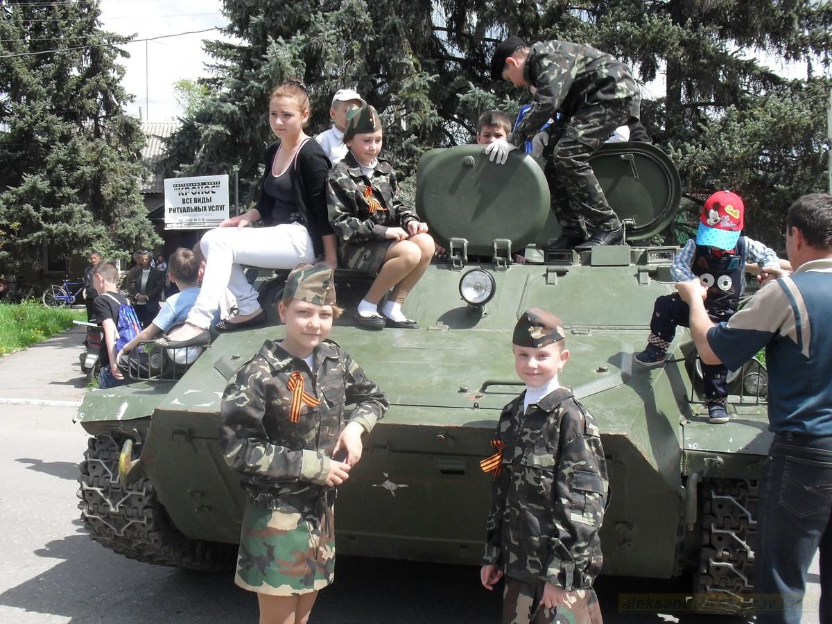pozdravlenie-veteranov_8-05-2015_089.jpg