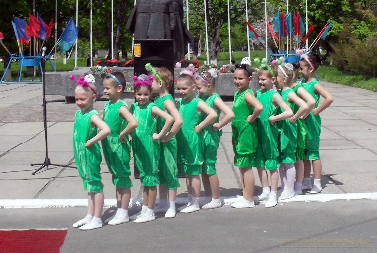 pozdravlenie-veteranov_8-05-2015_093.jpg