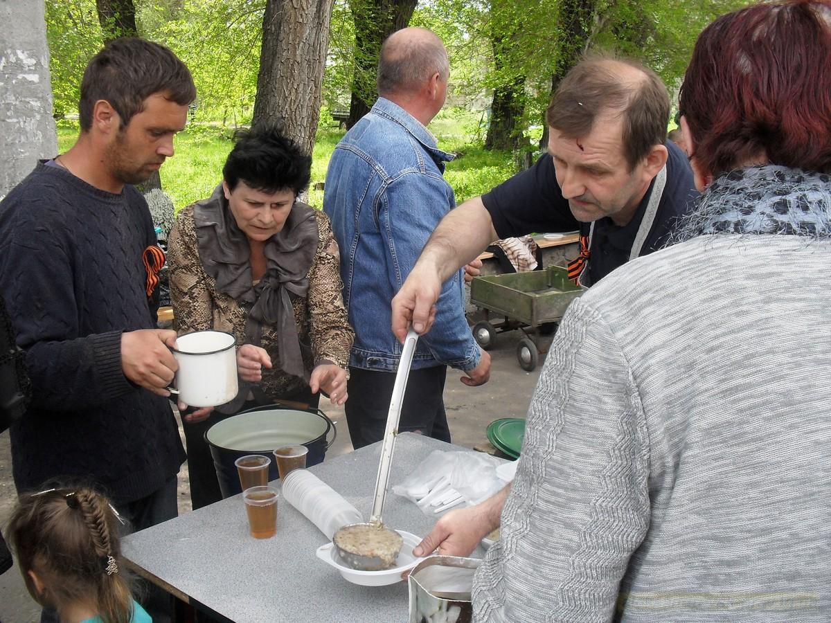 pozdravlenie-veteranov_8-05-2015_109.jpg