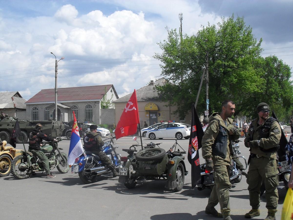 pozdravlenie-veteranov_8-05-2015_119.jpg