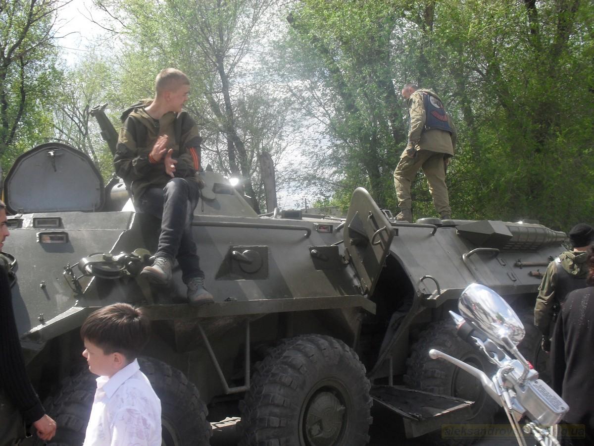pozdravlenie-veteranov_8-05-2015_120.jpg