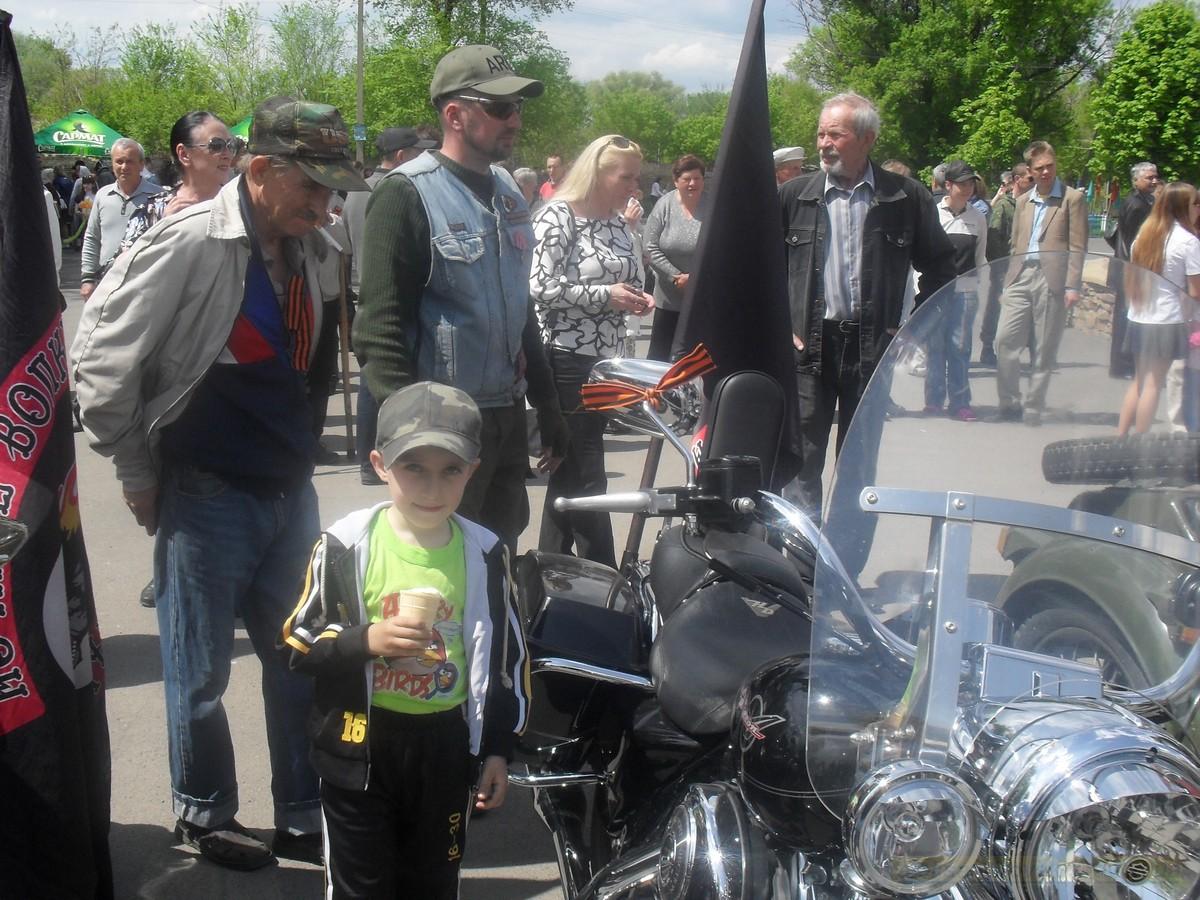 pozdravlenie-veteranov_8-05-2015_124.jpg
