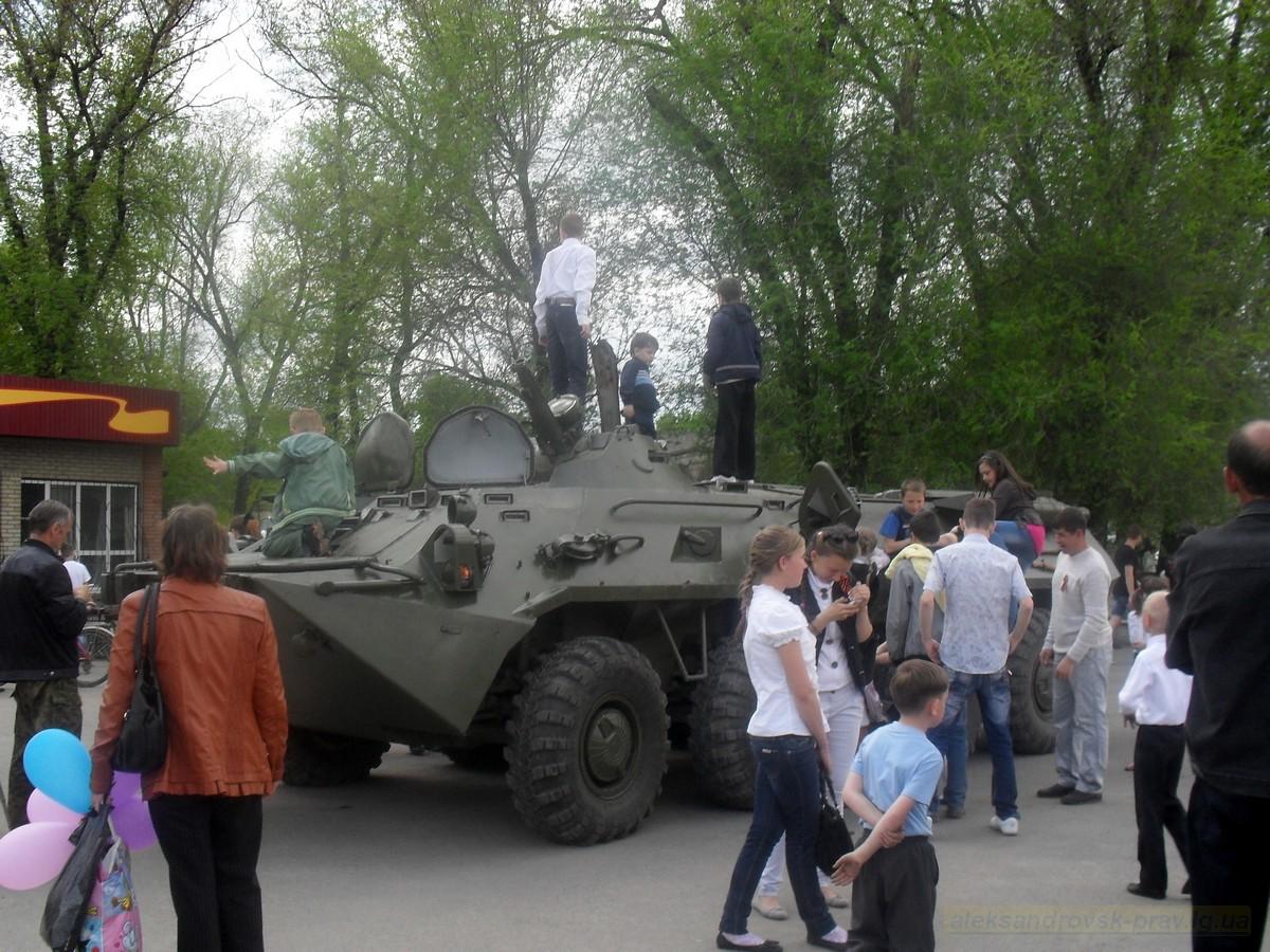 pozdravlenie-veteranov_8-05-2015_144.jpg