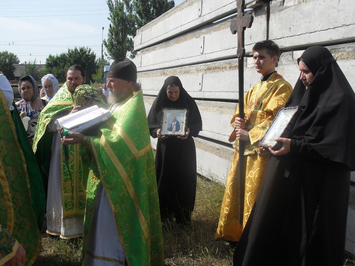 Sviato-Serafimovskiy-xram_01-08-2015_44
