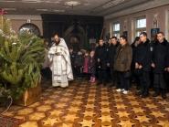 rozhdestvo-xristovo-v-xrame-alexandra-nevskogo_7-01-2014_02
