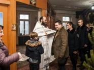 rozhdestvo-xristovo-v-xrame-alexandra-nevskogo_7-01-2014_05