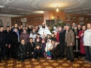 rozhdestvo-xristovo-v-xrame-alexandra-nevskogo_7-01-2014_17
