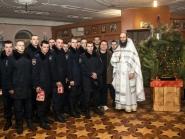 rozhdestvo-xristovo-v-xrame-alexandra-nevskogo_7-01-2014_18