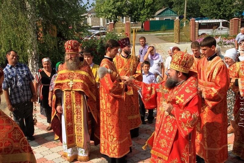 Свято-Архидьяконо-Стефановский храм, престольный праздник, освящение во время крестного хода