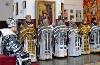 Награждение священнослужителей во Владимирском соборе, г.Луганска