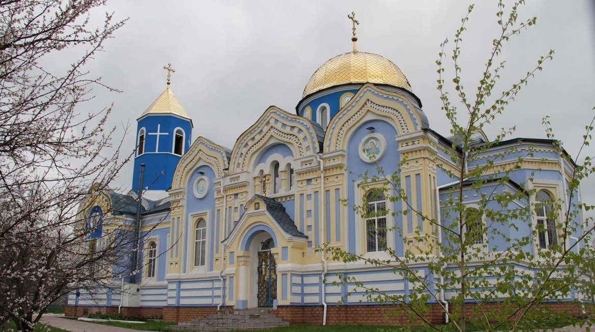 Архиерейское богослужение в Свято-Троицком храме, г.Зимогорье
