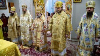 Высокопреосвященнейший Митрополит Митрофан молитвенно встретил День своего рождения