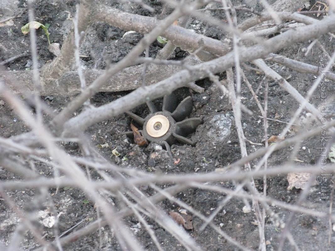 Неразорвашаяся мина, неподалёку от Свято-Вознесенского храма
