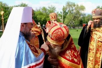 Пасхальное приветствие Владыки Митрофана в Свято-Владимирском храме, 1.05.2016