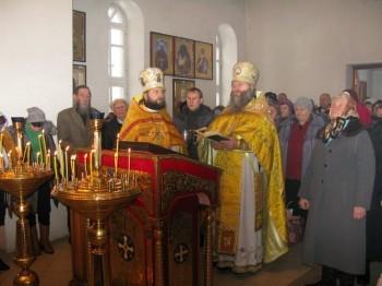 Богослужение возглавлял Благочинный протоиерей Яков Любов