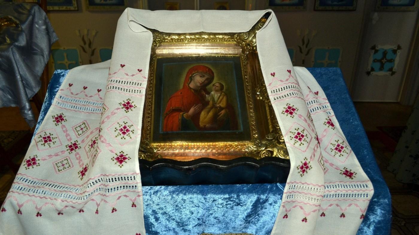 Престольный праздник в храме в честь Иверской иконы Божией Матери с.Долгое, 26.10.2013