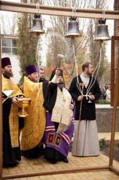 Освящение колокольни храма-часовни прп. Алексия человека Божия, г.Луганск